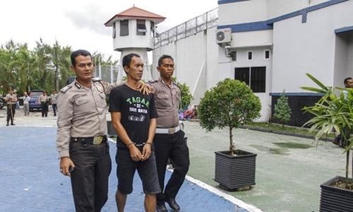 Hàng trăm tù nhân bỏ trốn, cảnh sát Indonesia tiến hành truy lùng 1