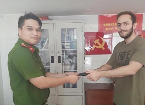 Đặc nhiệm Sài Gòn đá văng tên cướp trên đường truy đuổi 2