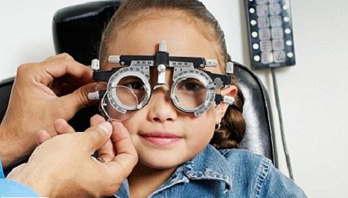 Những quan niệm sai lầm khi đeo kính cận mà bạn cần tránh 3