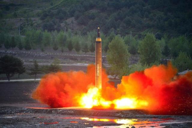 Nhật Bản nói tên lửa Triều Tiên đã rơi vào ADIZ của nước này 1