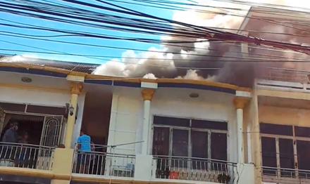 Nhà trong phố cổ Hội An bất ngờ phát hỏa 1