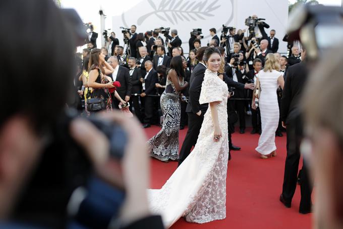 Lý Nhã Kỳ, Phạm Băng Băng đọ sắc trên thảm đỏ khai mạc LHP Cannes 5
