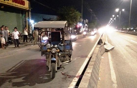 Tin TNGT mới nhất ngày 19/5: Xe ba gác tông xe máy, 4 người trọng thương 2