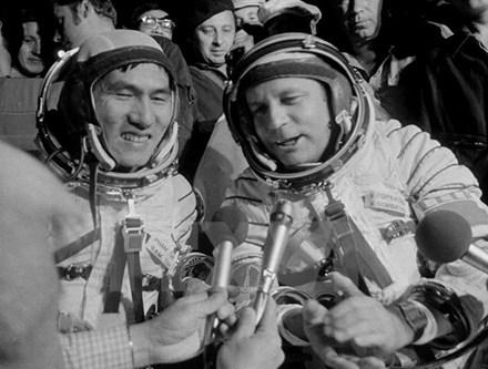 Chủ tịch nước chia buồn với gia đình phi công vũ trụ Nga qua đời 1