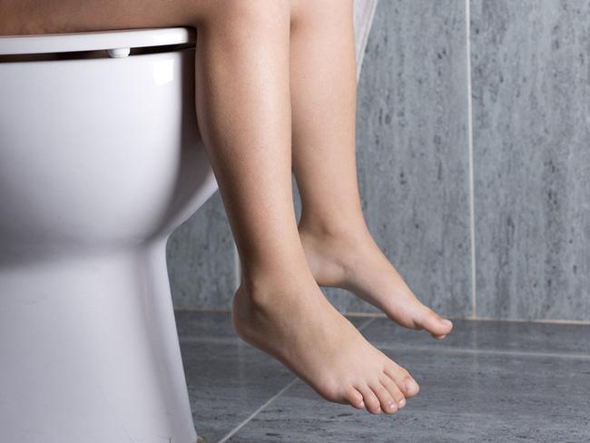 Cảnh báo những hệ lụy đáng sợ từ thói quen nhịn đi vệ sinh 1