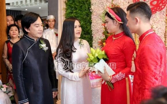 Hình ảnh Kim Tử Long cùng 2 người vợ rạng rỡ đưa con gái về nhà chồng số 3