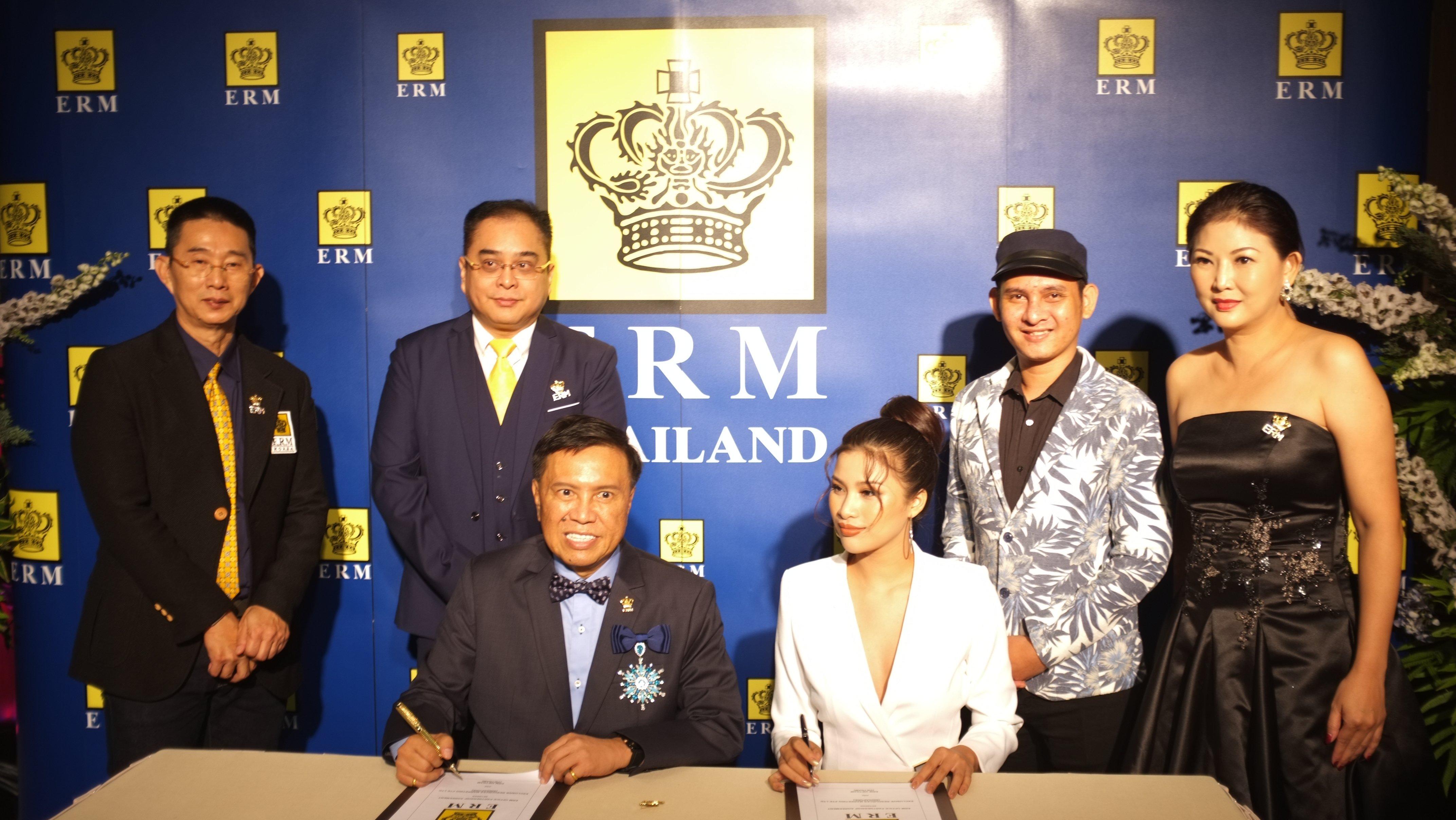 Hình ảnh Sau scandal thi chui, Nguyễn Thị Thành rạng rỡ chuẩn bị tới Cannes số 4