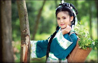 Chân dung người vợ 3 trẻ trung, xinh đẹp của nghệ sĩ Kim Tử Long 1