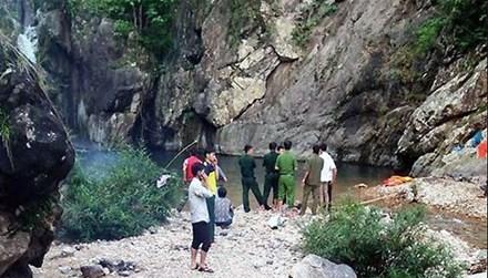 Tìm thấy thi thể nạn nhân chết đuối ở thác Chênh Vênh 1