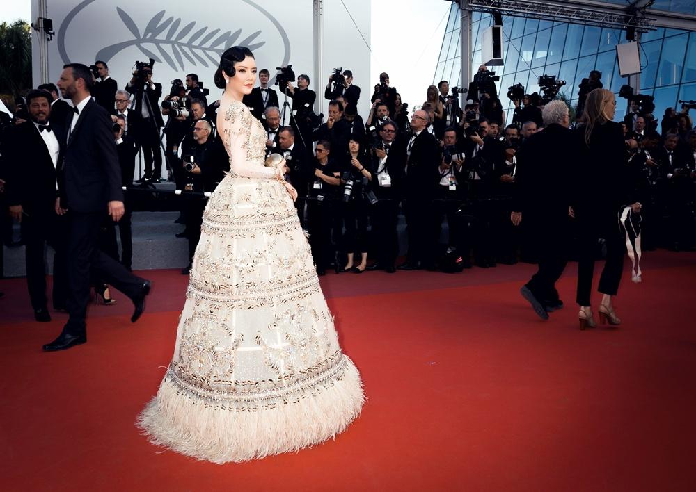 Ngắm vẻ đẹp vạn người mê của Lý Nhã Kỳ trong đêm cuối tại LHP Cannes 8
