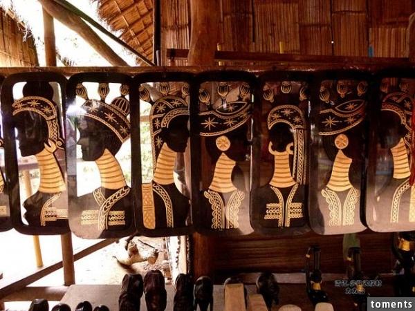 Cuộc sống cực kỳ bất tiện với phong tục tập quán cổ xưa của tộc người cổ dài 12