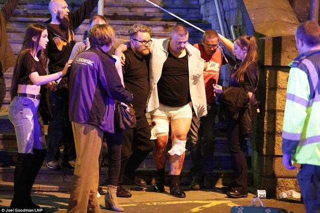 Nổ lớn tại buổi biểu diễn ca nhạc ở Anh, ít nhất 19 người thiệt mạng 3