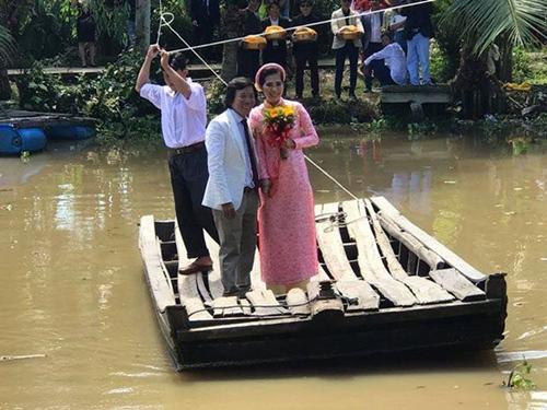 Giải trí - Đạo diễn, quay phim Nguyễn Tranh cưới vợ 9X kém 25 tuổi