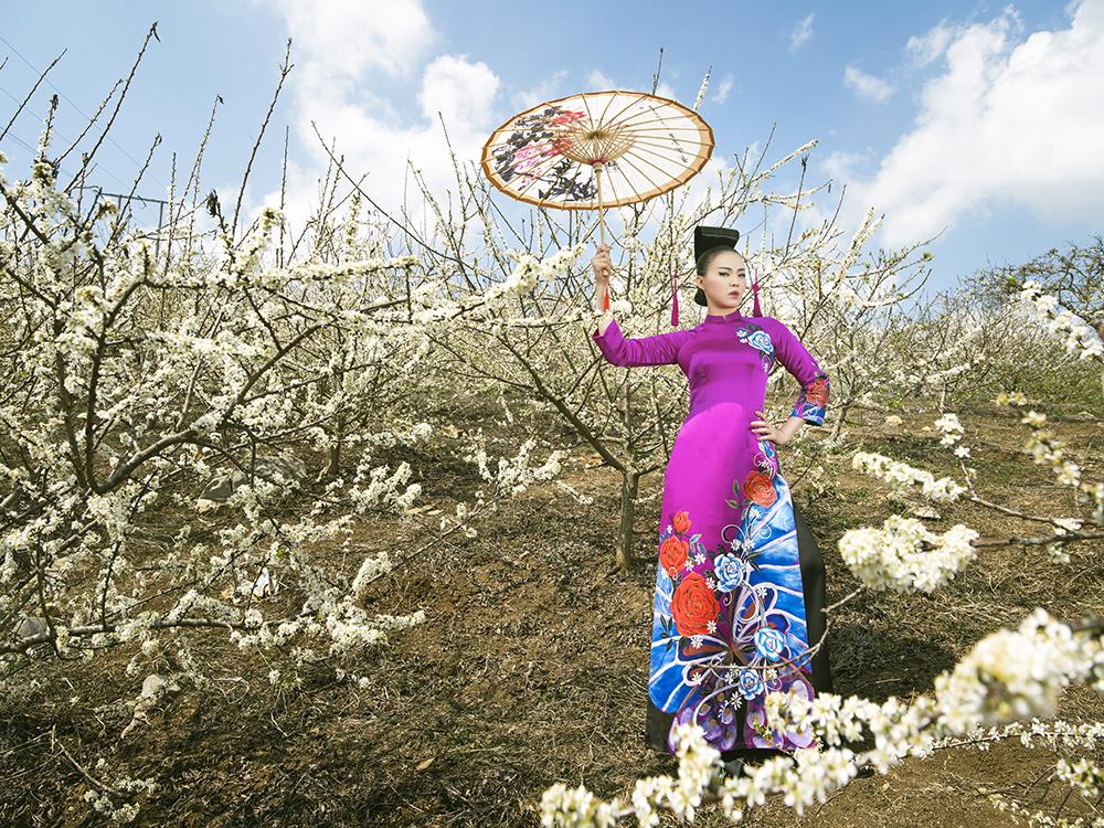 Hình ảnh Phù thủy makeup Kenny Thái ra mắt BST áo dài mang phong cách Nhật Bản số 3