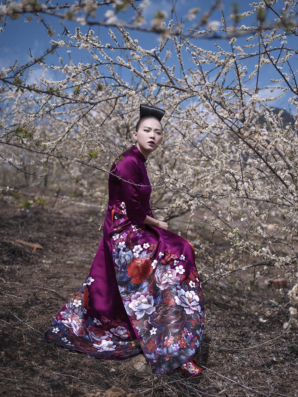 Hình ảnh Phù thủy makeup Kenny Thái ra mắt BST áo dài mang phong cách Nhật Bản số 11
