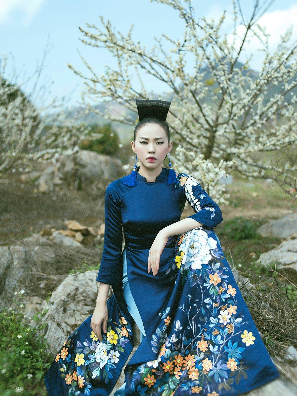 Hình ảnh Phù thủy makeup Kenny Thái ra mắt BST áo dài mang phong cách Nhật Bản số 9