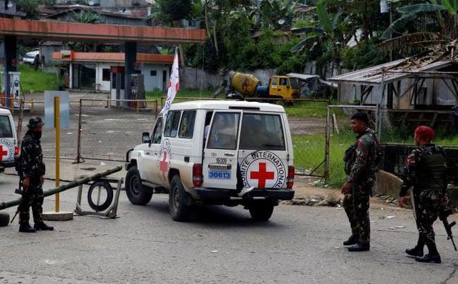 Dân thường Philippines bị phiến quân hành quyết, vứt xác trong khe núi 1