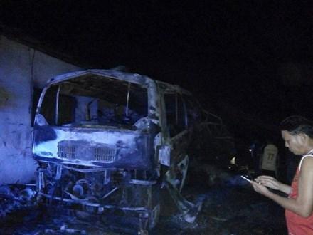 Nổ xe khách Việt Nam ở Lào, 5 người thương vong 1