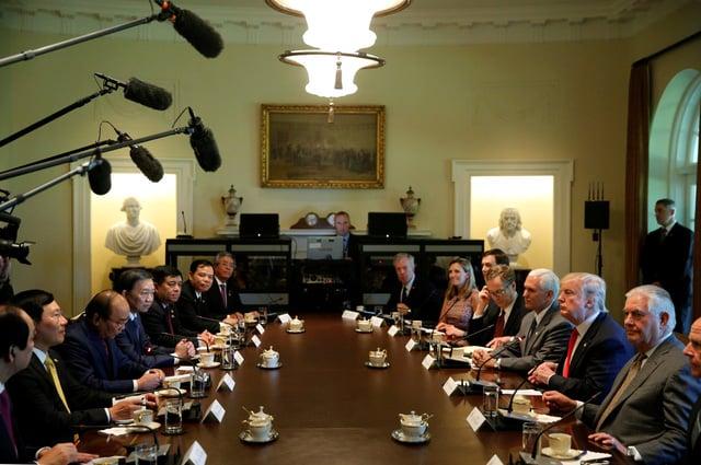 Hình ảnh Báo quốc tế đồng loạt đưa tin cuộc gặp giữa Thủ tướng Việt Nam và Tổng thống Mỹ số 3