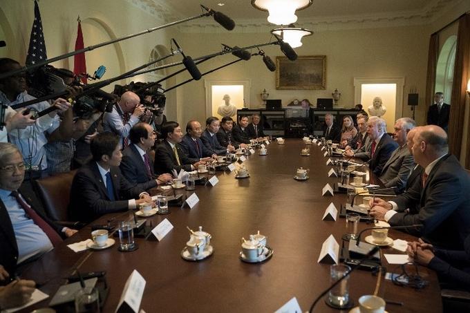 Cuộc hội đàm đầu tiên giữa Thủ tướng Nguyễn Xuân Phúc và Tổng thống Mỹ Donald Trump 5