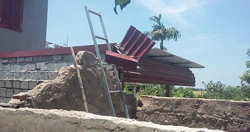 Nam Định: Sát hại anh trai vì tranh chấp 60cm mái tôn 1