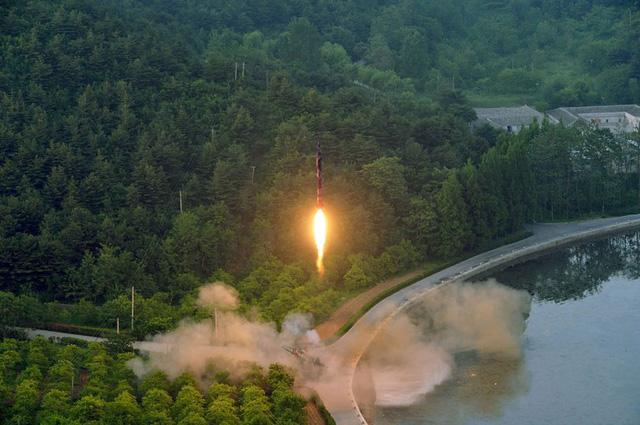 Triều Tiên dọa tấn công hạt nhân nếu Mỹ không rút khỏi bán đảo 1