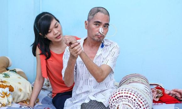 Vợ diễn viên Nguyễn Hoàng ôm con bỏ đi khi chồng đau yếu 2