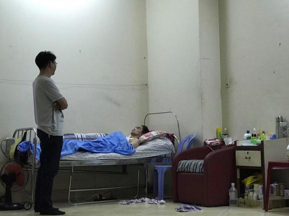 Vợ diễn viên Nguyễn Hoàng ôm con bỏ đi khi chồng đau yếu 6