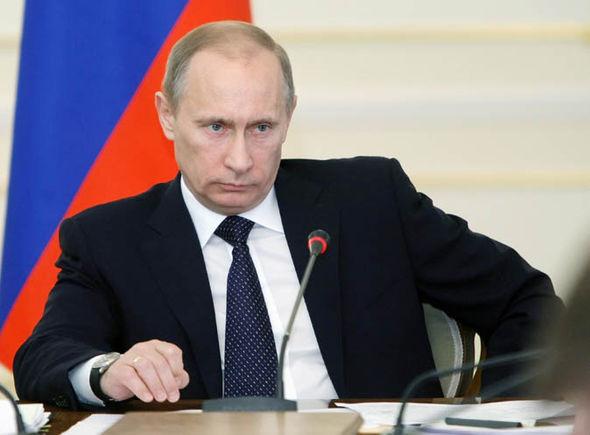 Phản ứng của Putin khi bị đặt tình huống tắm cùng người đàn ông đồng tính 1