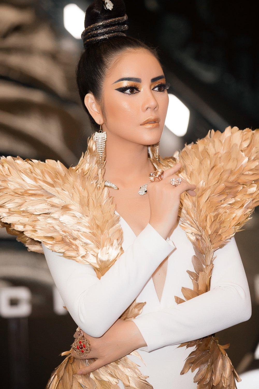 Lý Nhã Kỳ đẹp huyền bí như Nữ hoàng Ai Cập 6