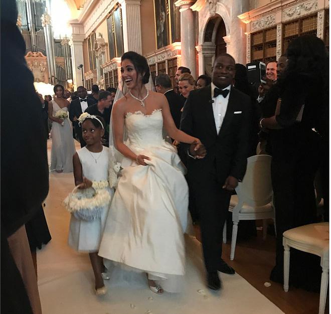 Đám cưới sang chảnh của con trai tỷ phú da màu giàu nhất thế giới 1