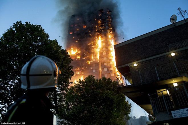 Vụ cháy nhà 27 tầng: Số người có mặt trong tòa nhà đang cháy 1