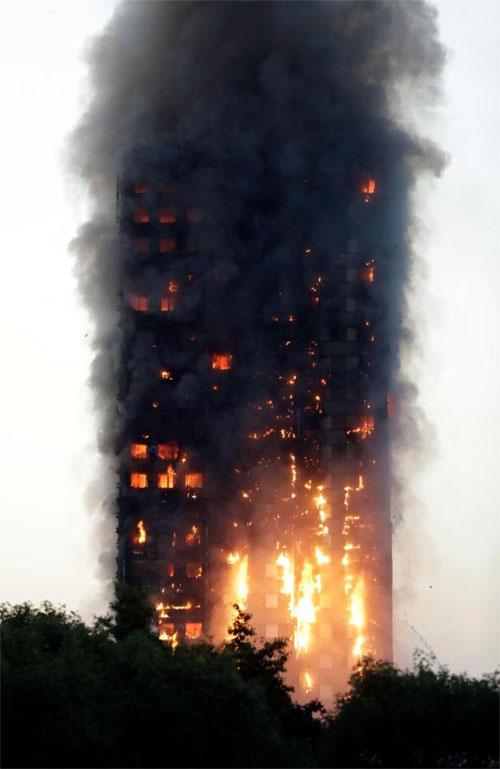 Cận cảnh tòa tháp 27 tầng biến thành biển lửa giữa thủ đô London 6