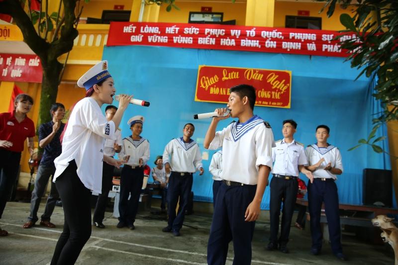 Hình ảnh Việt Quang xúc động khi giấc mơ về Trường Sa thành hiện thực số 5