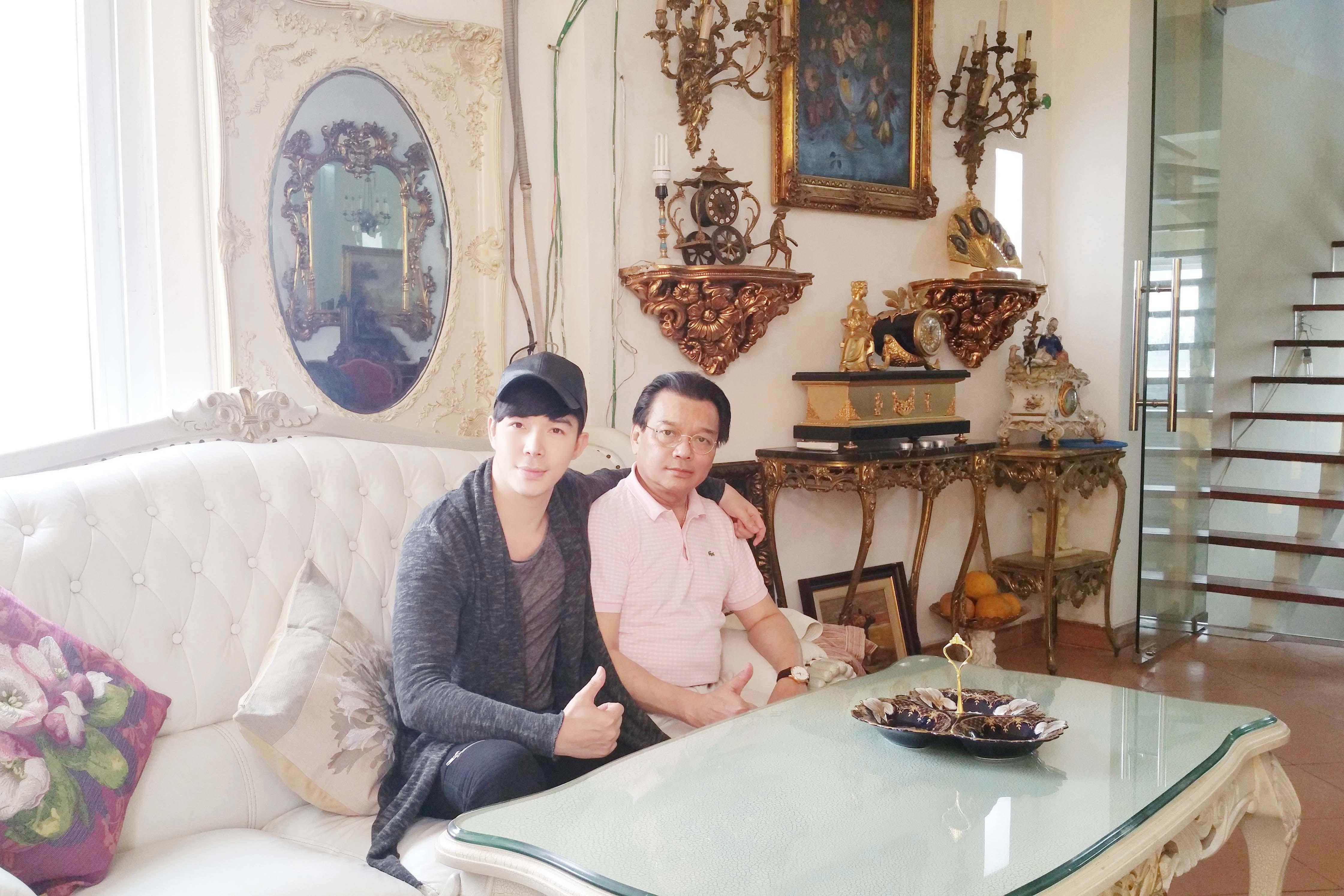 Nathan Lee khoe ảnh độc cùng người cha đại sứ Trương Triều Dương  2