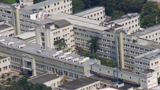 Hy hữu: Bác sĩ tử vong vì bị y tá ngã từ tầng 6 rơi trúng 1