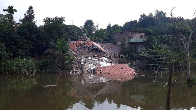 Hình ảnh Biệt thự 4 tỷ nâng cấp từ nhà cấp 4 đổ sập xuống ao số 2