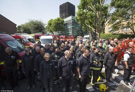 Thông tin mới vụ cháy chung cư Anh: 79 người đã thiệt mạng 1