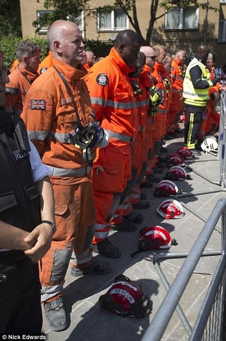Thông tin mới vụ cháy chung cư Anh: 79 người đã thiệt mạng 2