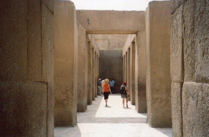 Những công trình cự thạch cổ đại bí ẩn thách thức giới khoa học 1