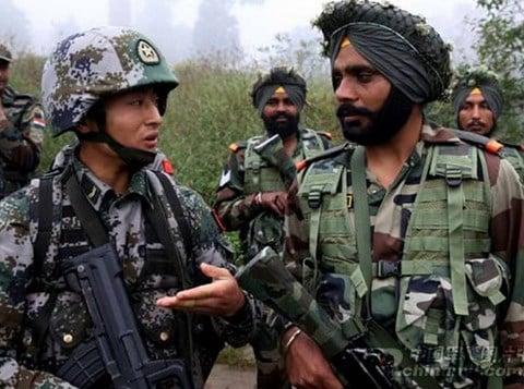 Binh lính Trung Quốc - Ấn Độ xô xát ở biên giới 1