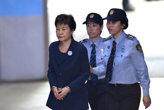 Triều Tiên tuyên án tử hình vắng mặt cựu tổng thống Park Geun Hye 1