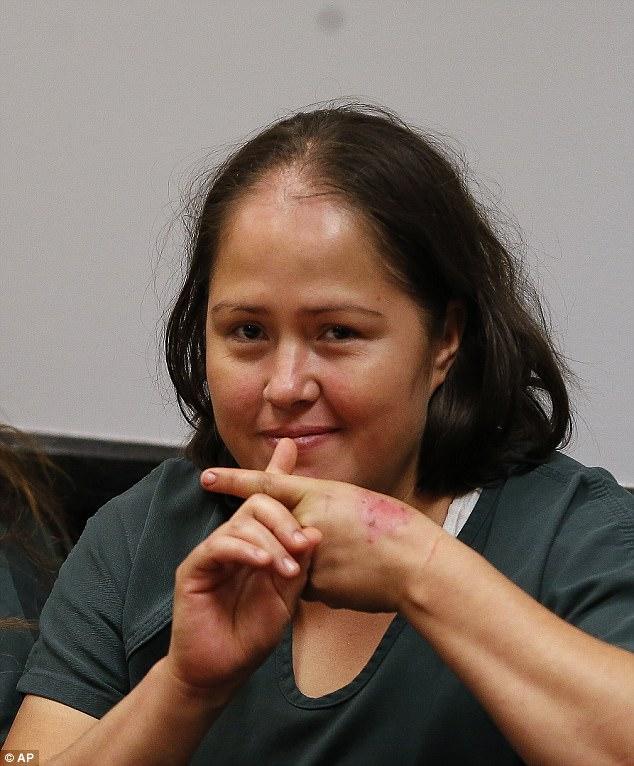 Rùng mình hành động của người phụ nữ sau khi đâm chết chồng và 4 con thơ 4