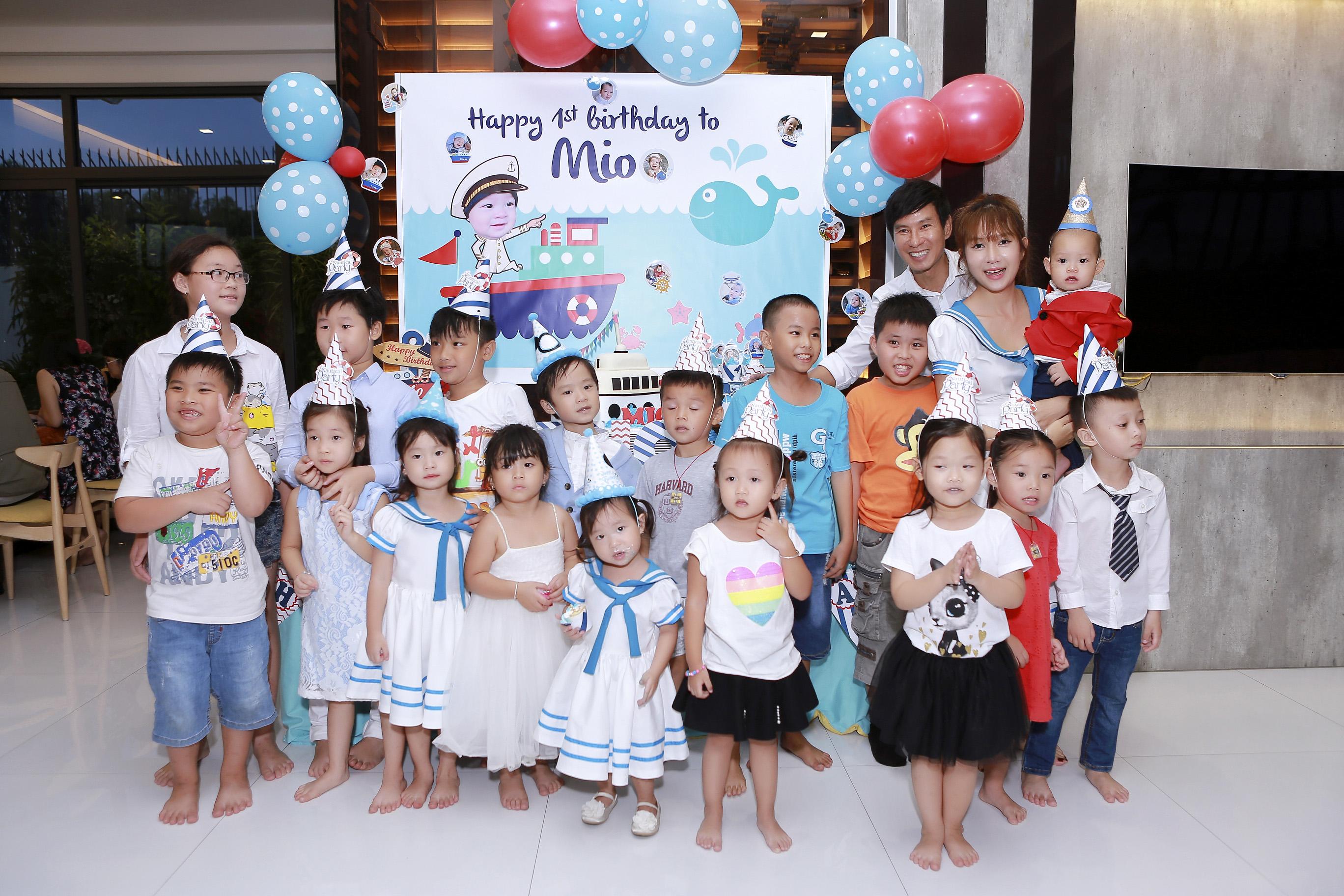 Hình ảnh Vợ chồng Lý Hải tổ chức sinh nhật rình rang cho con thứ tư số 7