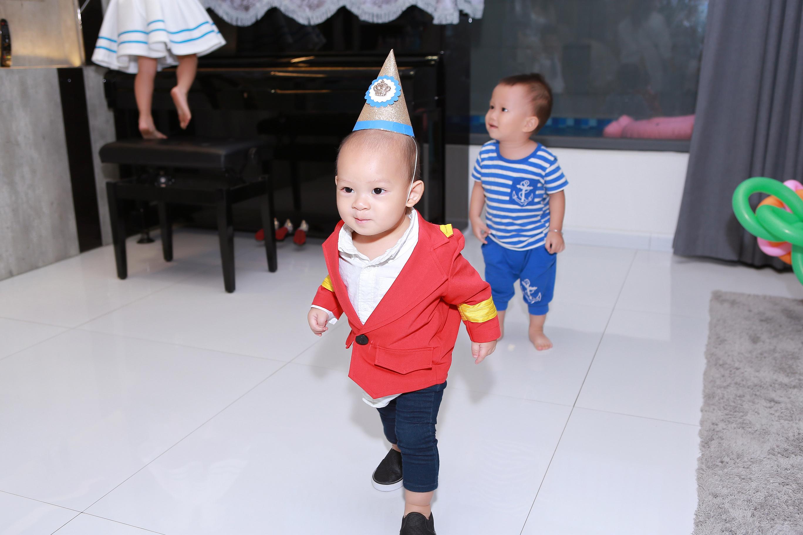 Hình ảnh Vợ chồng Lý Hải tổ chức sinh nhật rình rang cho con thứ tư số 8