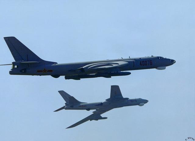 6 oanh tạc cơ Trung Quốc áp sát không phận Nhật Bản 1