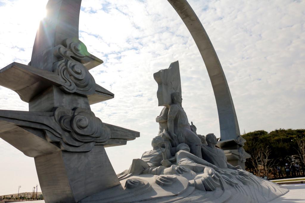 Khánh thành tượng đài tưởng niệm 64 chiến sĩ Gạc Ma 1