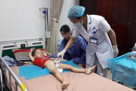 Hàng loạt trẻ em bị sùi mào gà sau khi cắt bao quy đầu: Bộ Y tế vào cuộc 1