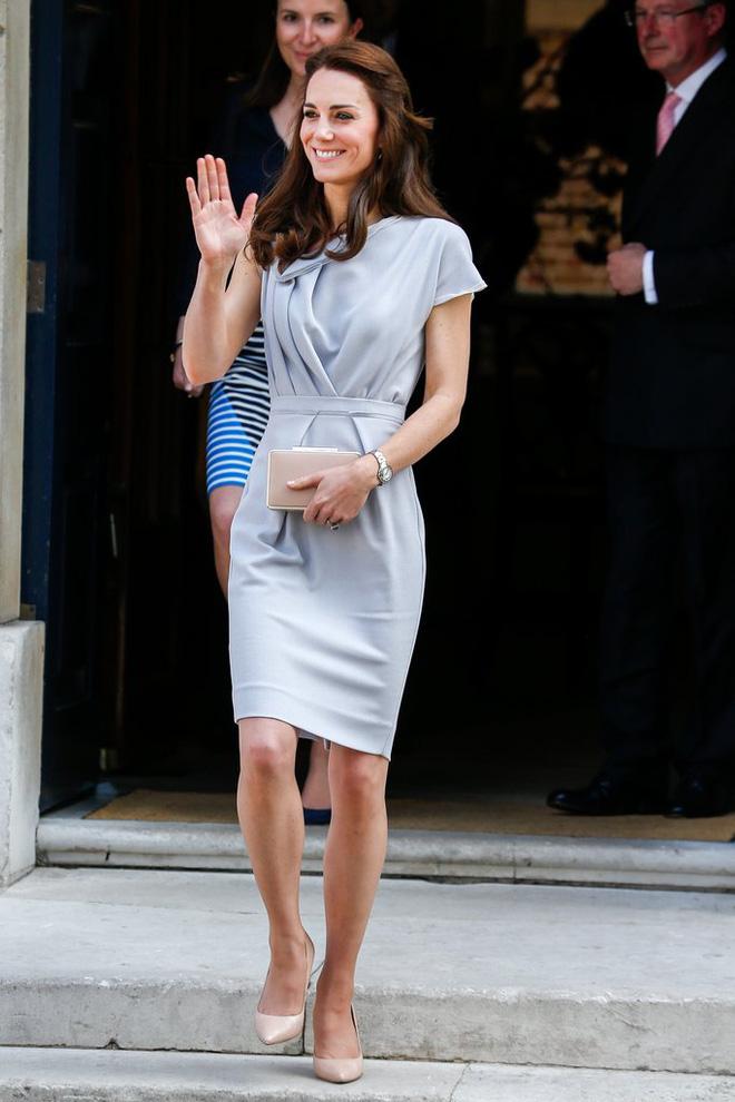 Tập trung vào 6 nguyên tắc này, Công nương Kate cứ mặc đẹp mãi không thôi! 12