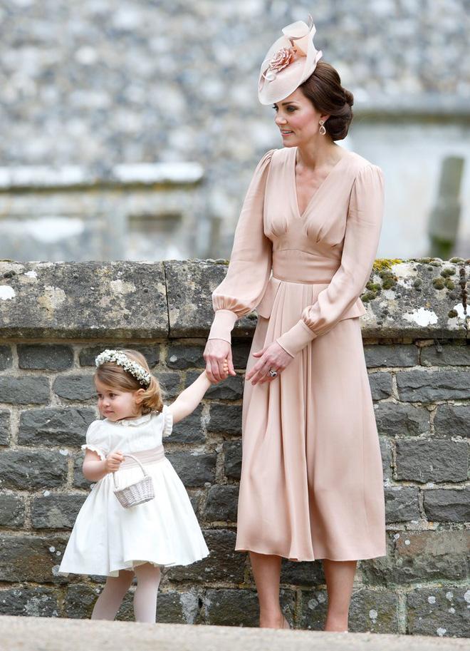 Tập trung vào 6 nguyên tắc này, Công nương Kate cứ mặc đẹp mãi không thôi! 10